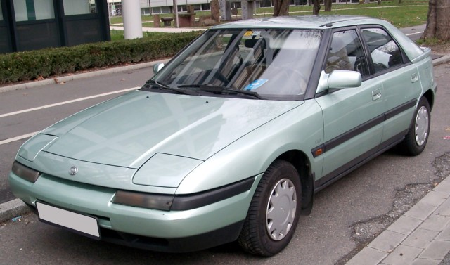 Mazda_323f_green_front_20080301