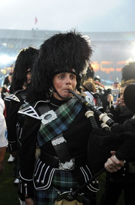 Frightened bagpiper crop