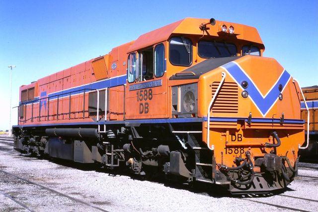 DB1588_Forrestfield,_1986
