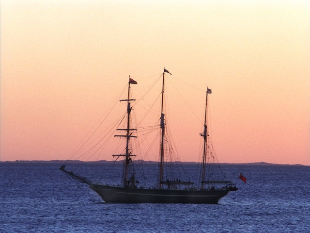 Barque Endeavour July88-12