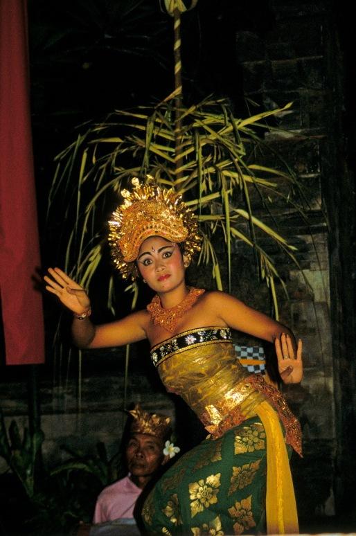 Barong dancer R59