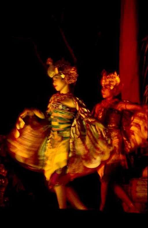 Barong dancers norm 60N