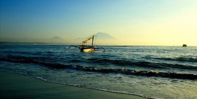 Sanur boat dawn R1