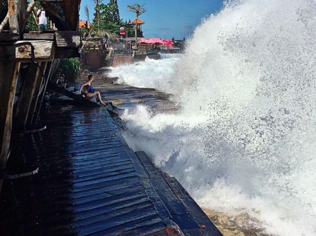 canggu_monster_wave_fb