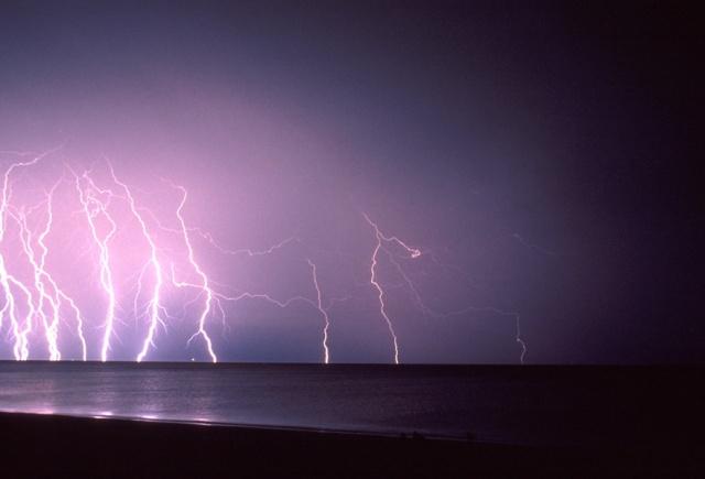 buss-lightning1