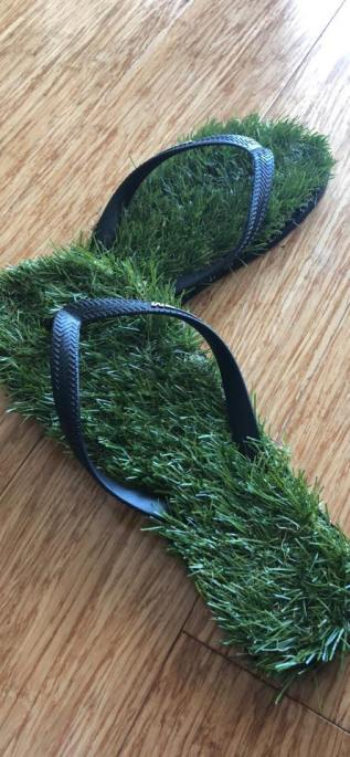 Grassy thongs
