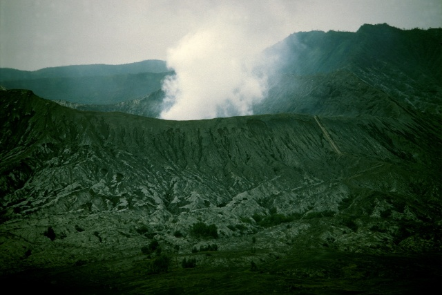 Bromo crater + steps 55