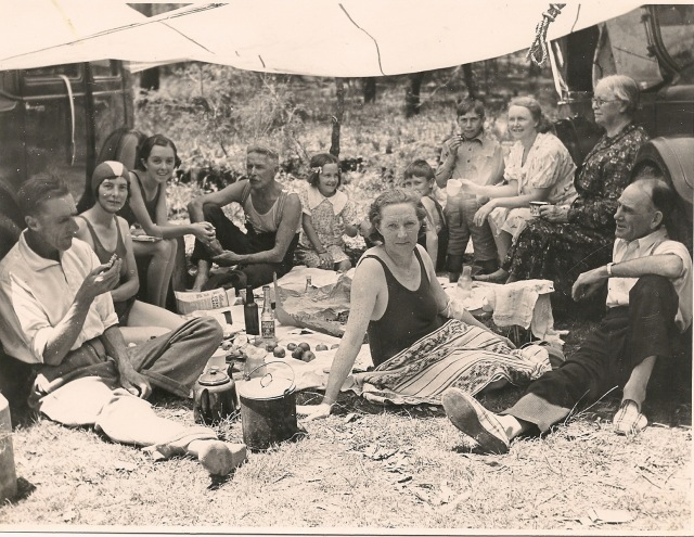 Croft family picnic 1920s